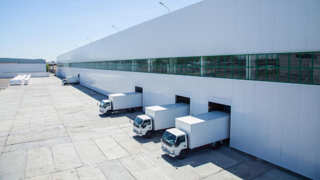 ecommerce-warehouse-management-ecommerce-warehouse-layout-warehouse-truck-distribution